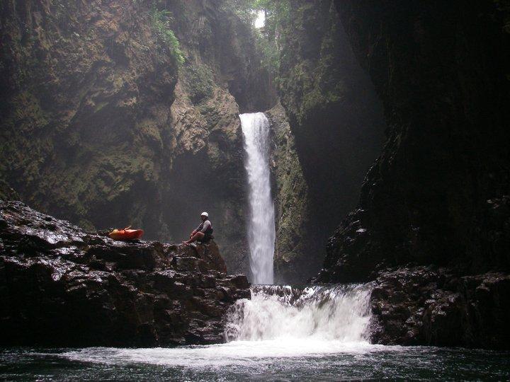 Cascada El Encanto En Rio Filobobos Veracruz